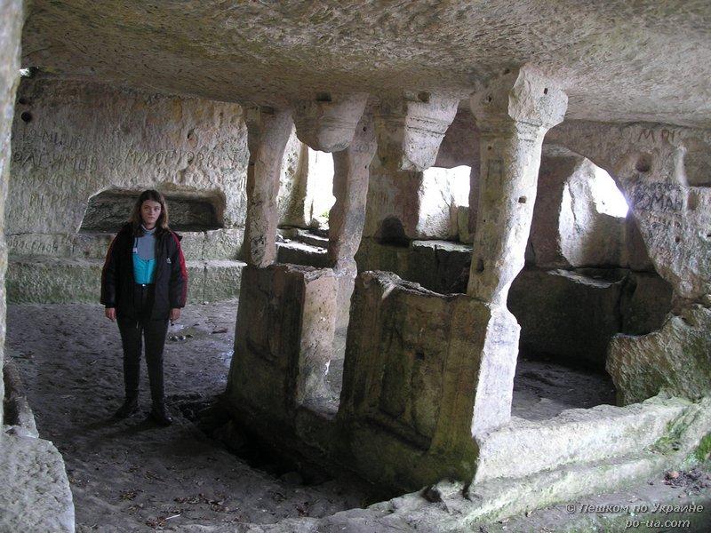 Пещерный храм на Тепе-Кермен