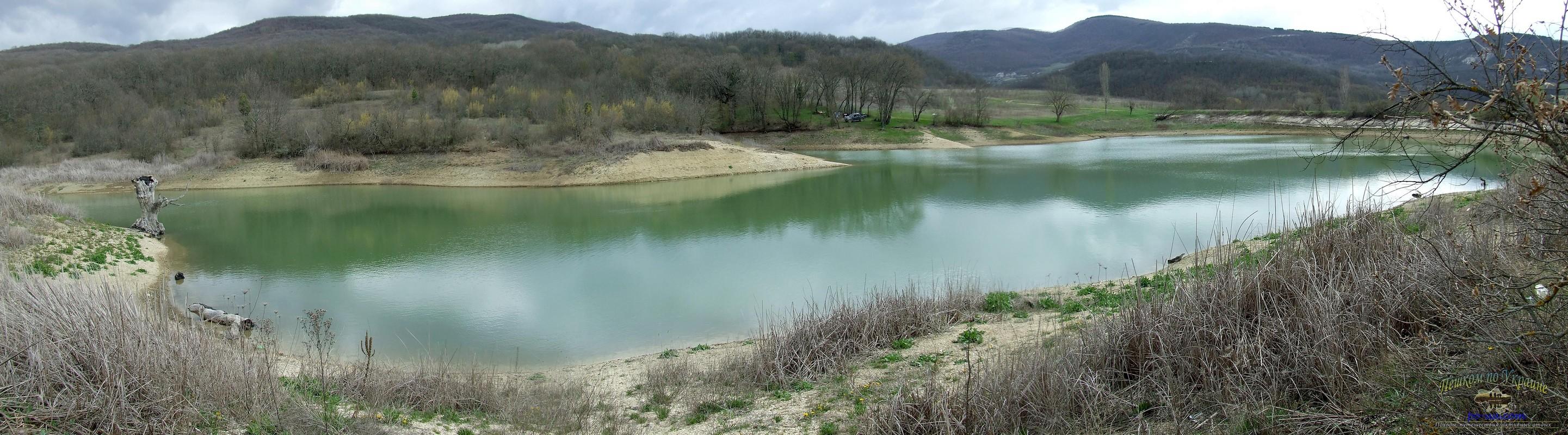 Озеро у села Высокое