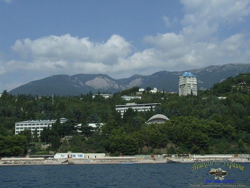 Вид на Южный берег Крыма с моря