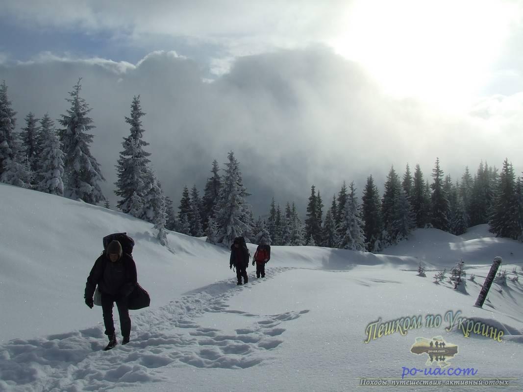 В походе по зимним Карпатам