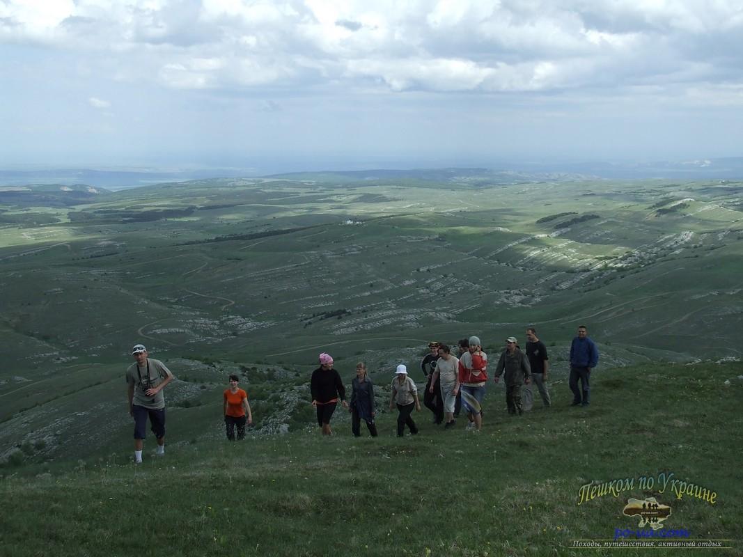 На вершине Кара-Тау (1220м)