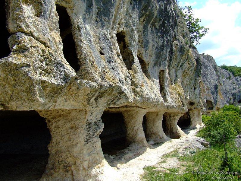 Пещерный монастырь Челтер