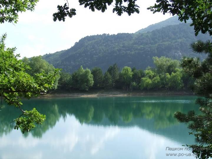 Бирюзовое (Юбилейное) озеро