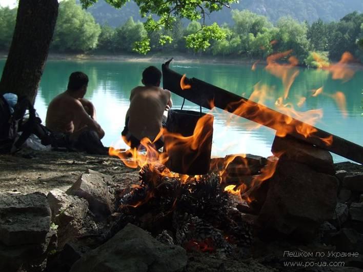 Привал у Бирюзового озера