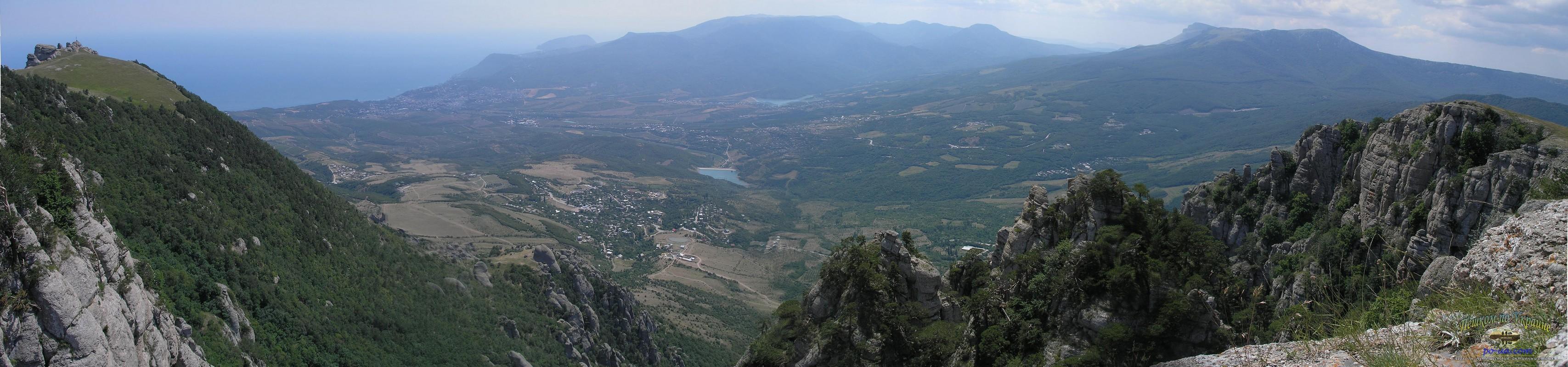 Вид с Демерджи на Алушту