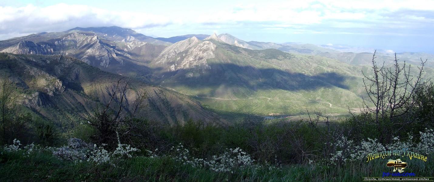 Вид на долину реки Ускут