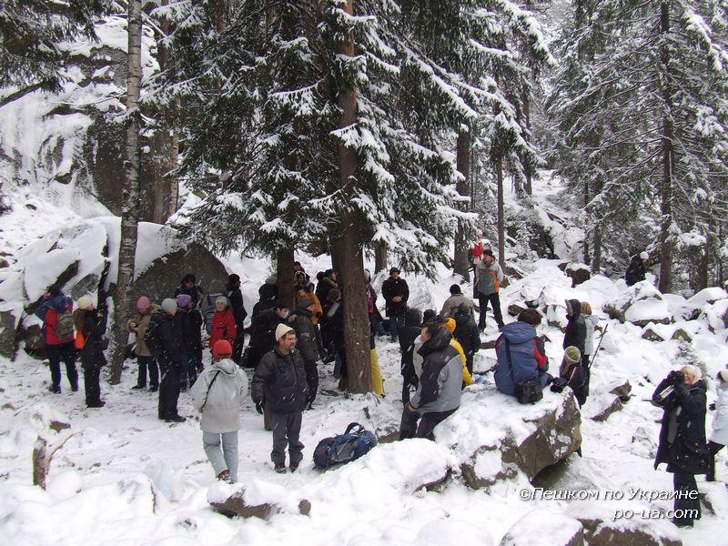 Рождество в Карпатах, У скал Довбуша в Яремче