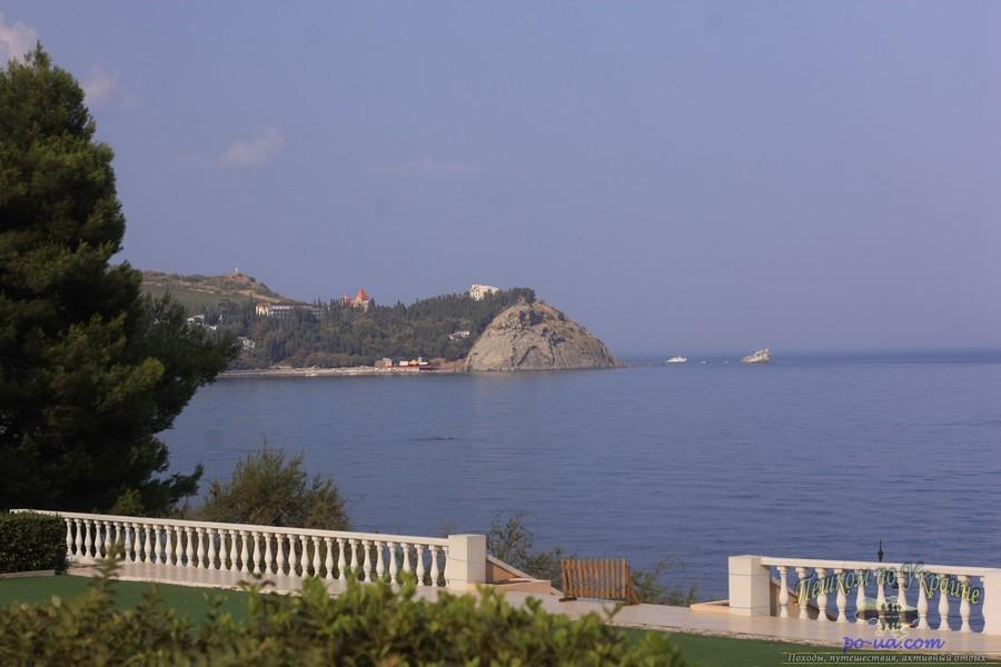 Парк Айвазовского в Партените можно посетить во время отдыха в Крыму
