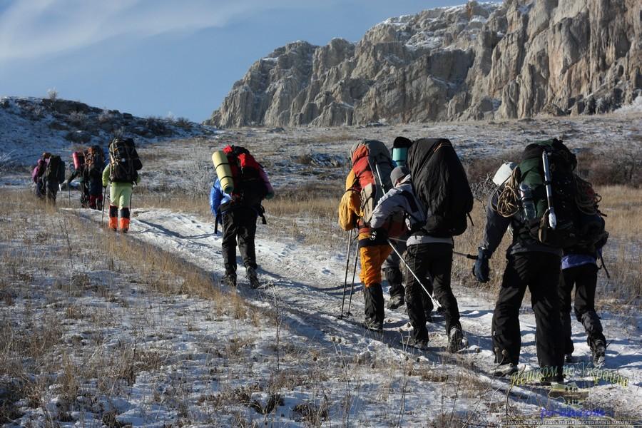 Дикий отдых в Крыму, поход по крымским горам зимой