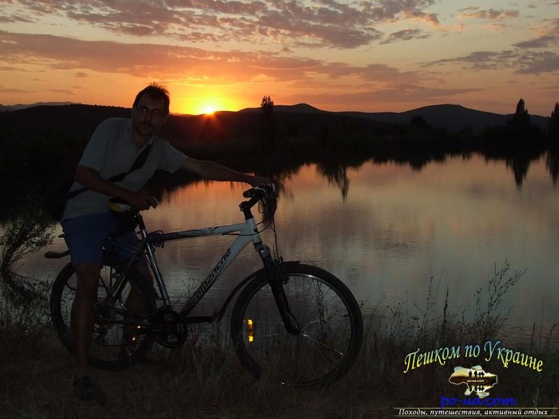 Велопрогулка к верхнему озеру на рассвете
