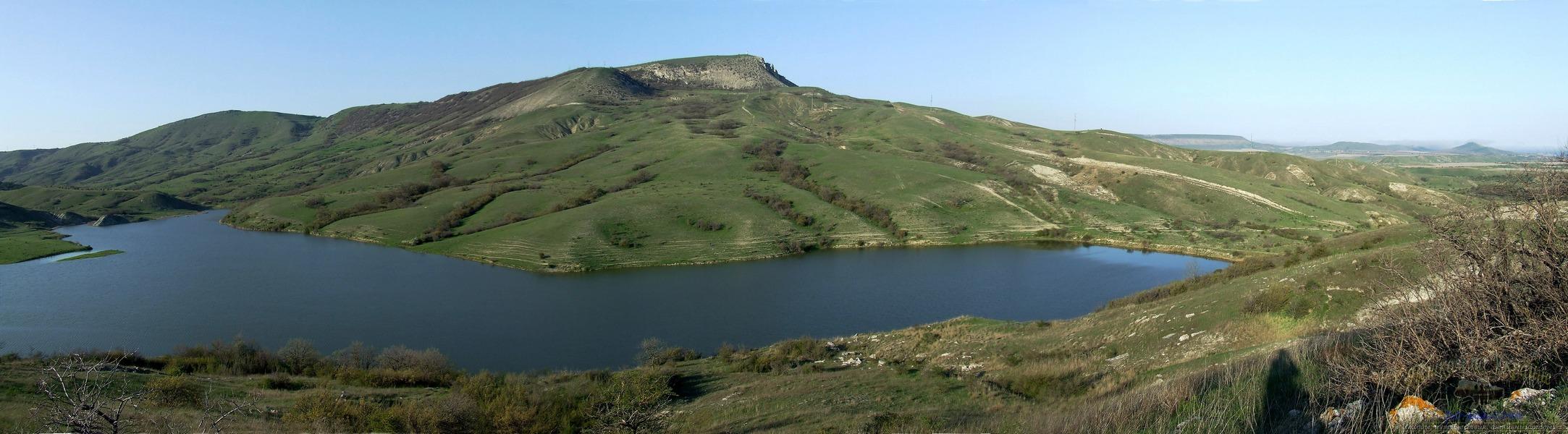 Озеро под горой Коклюк