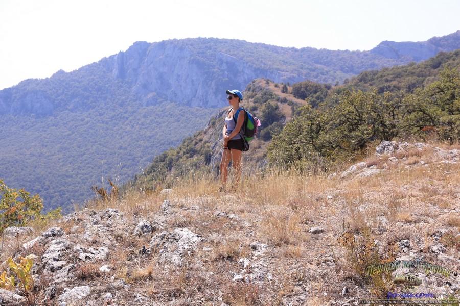Прогулки по горам в Крыму, летние лагеря в Украине