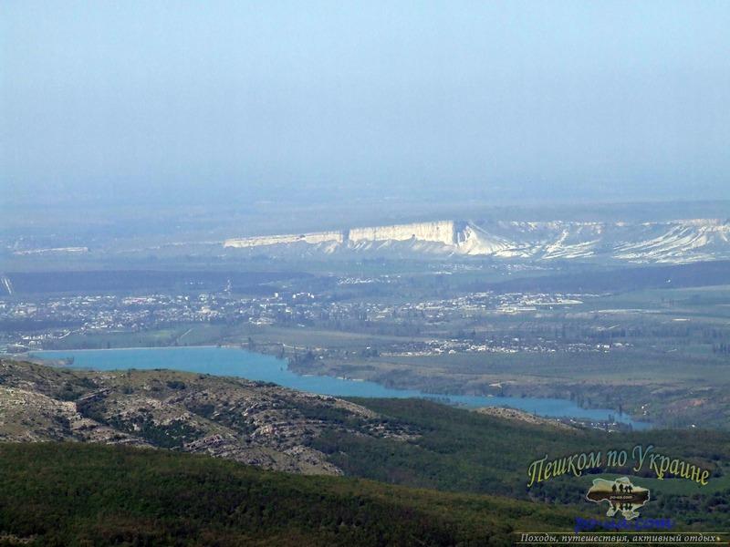 Туристический поход по Крыму, вид на Белую скалу