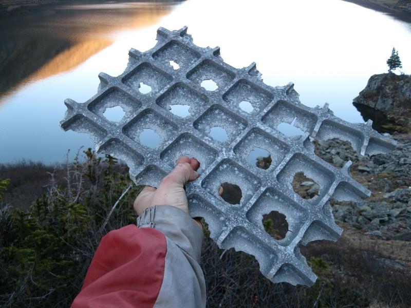 Космический мусор на каскаде форелевых озер на Алтае