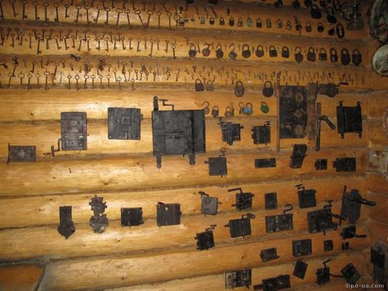 В музее гуцульских изделий